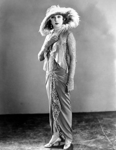 Hedda Hopper said Lilyan wore too many clothes at the same time.