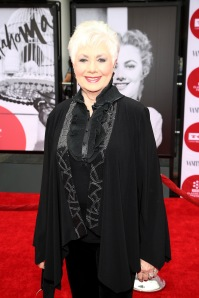 Shirley Jones looked GREAT. (photo by Annie I. Bang.)