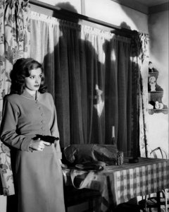 Kathie Moffat (Jean Greer) in Out of the Past (1947)