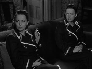 DeHavilland and DeHavilland in The Dark Mirror.